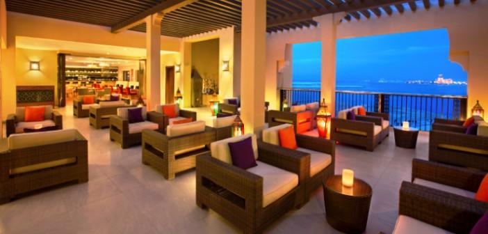 Blick aus der Sho Fee Bar im Hotel Doubletree by Hilton Resort & Spa Marjan Island in Ras al Khaimah.