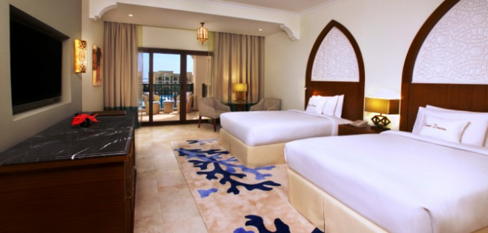 Blick auf ein Twin Deluxe Rooms in einer der Villen im Hotel Doubletree by Hilton Resort & Spa Marjan Island