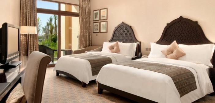 Blick ins Schlafzimmer im Hotel Hilton Resort and Spa Ras al Khaimah
