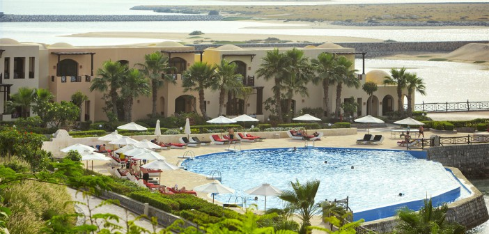 Laguna Bay Pool im Cove Rotana Resort