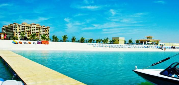 Blick auf den Strand des Marjan Island Resort and Spa