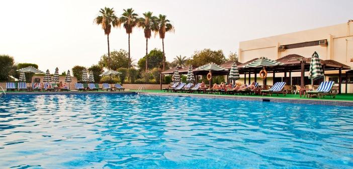 Pool im Bin Majid Beach Hotel