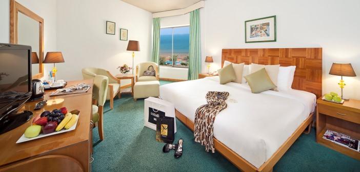 Blick in den Deluxe-Room im Bin Majid Beach Hotel
