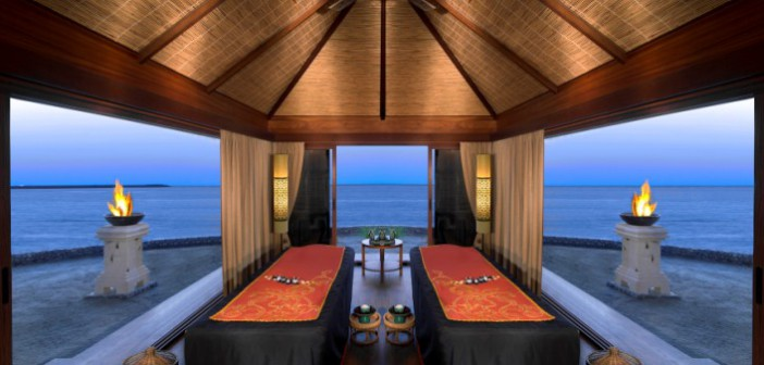 Erleben Sie im Hotel Banyan Tree Ras Al Khaimah Beach direkt am Strand mit einem herrlichen Blick aufs Meer.