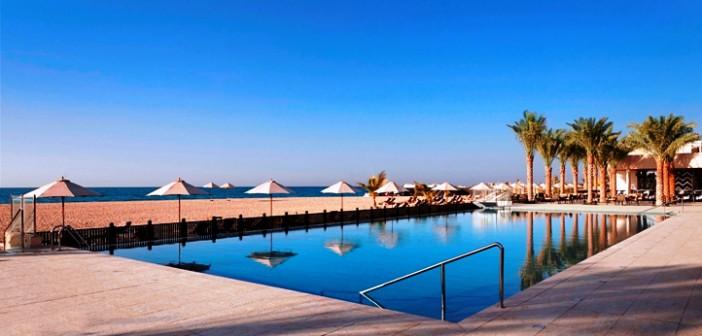 Strandpool im Hotel Waldorf Astoria Ras al Khaimah