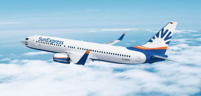 SunExpress Flugzeug über den Wolken
